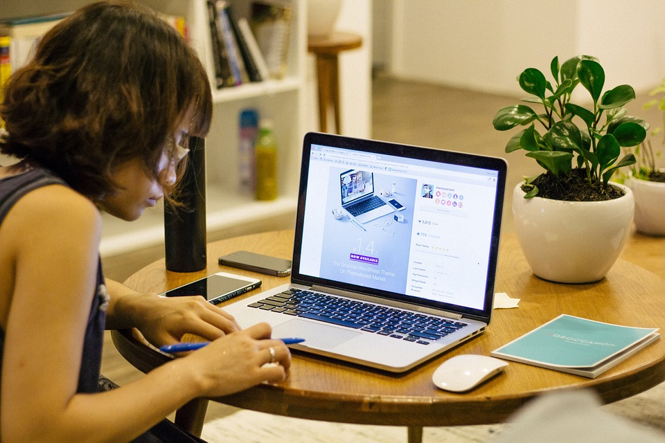 13 EASY TIPS TO SAVE ENERGY WHILE WORKING AT HOME