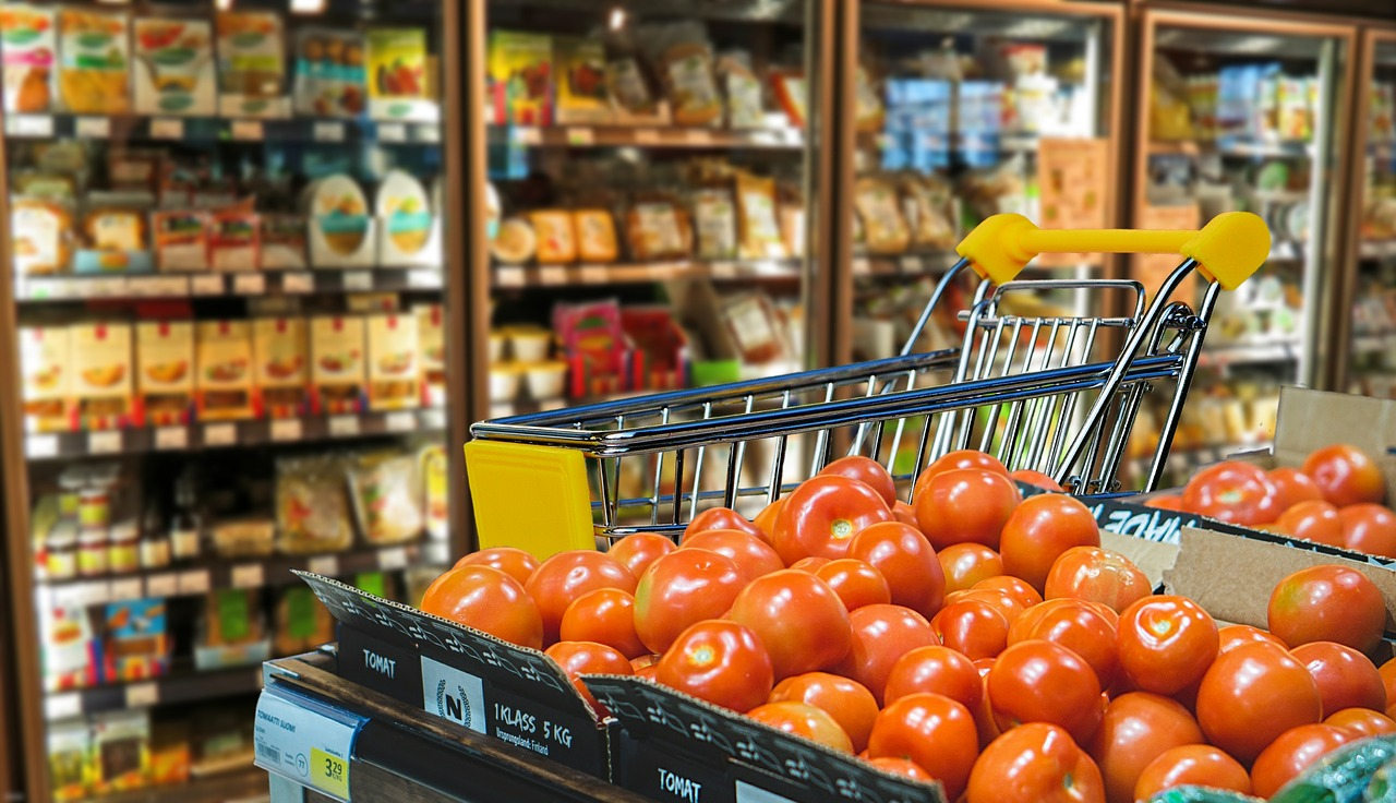 HOW TO SAVE MONEY & ENERGY IN YOUR RETAIL STORE